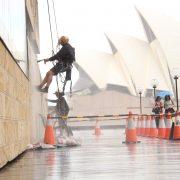 تعمیرات نمای ساختمان با طناب
