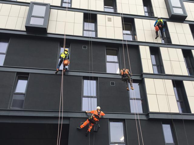 پیچ کردن نمای ساختمان