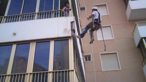 بازسازی سنگ نما با طناب