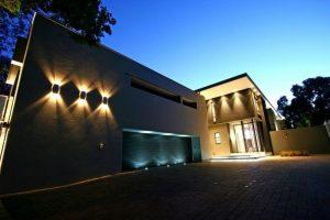 تجهیزات نورپردازی نمای ساختمان