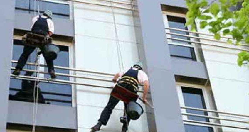 نماشویی با طناب ساختمان شستشن نما شیشه ای ساختمان