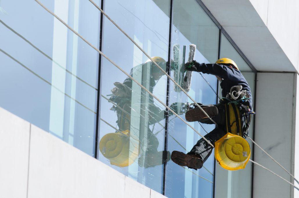 پیچ و رولپلاک سنگ نمای ساختمان: